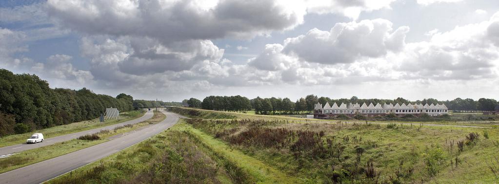 Emmen,14/9/11:beeld van de nieuwbouwwijk Delftlanden met lins de Rondweg.